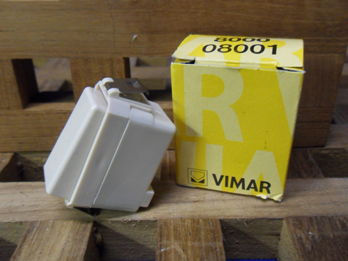 Vimar 8000 Series 1p Switch 1-way 16A VI-8001